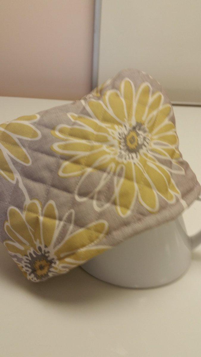 Tea cosy in action